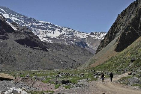 Empezando el trekking al Glaciar El Morado.