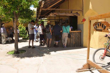 Entrada y patio del Fundo Los Nichos.