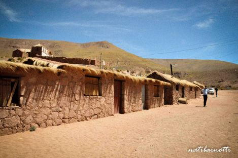 Casitas de adobe en Machuca.
