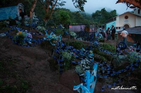 fiestas-cementerios-coroico-bolivia-nati-bainotti (3)