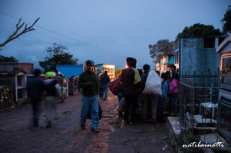 fiestas-cementerios-coroico-bolivia-nati-bainotti (4)