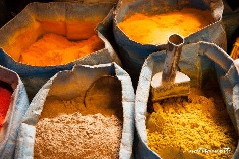 especias-mercados-sucre-bolivia-mividaenunamochila-nati-bainotti