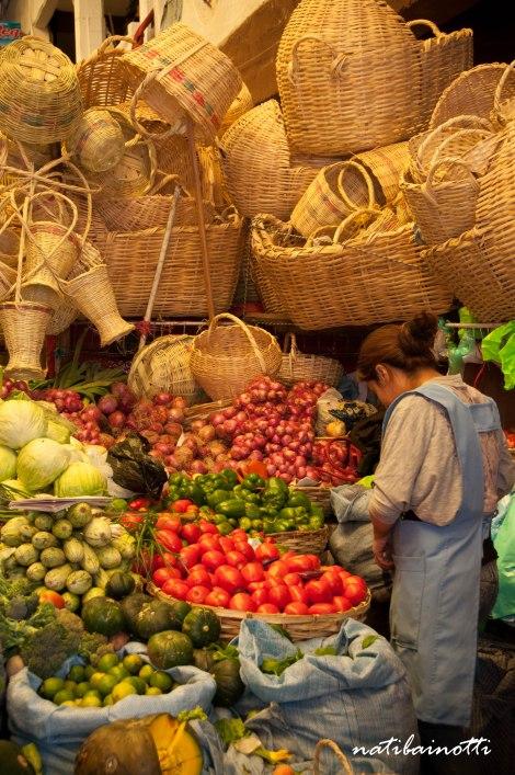 puesto-mercados-sucre-bolivia-mividaenunamochila-nati-bainotti