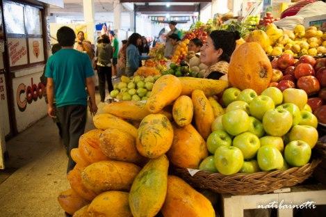 puesto-mercados-sucre-bolivia-mividaenunamochila-nati-bainotti2